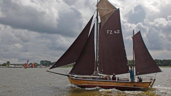 FZ42 Sunddriewer, Volker Gries, Zeesboot Regatta Bodstedt 2017 , 09/2017