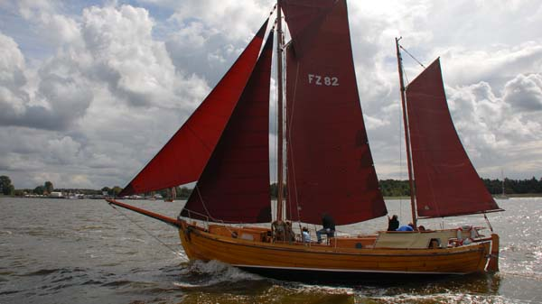 FZ82 Oma Else, Volker Gries, Zeesboot Regatta Bodstedt 2017 , 09/2017