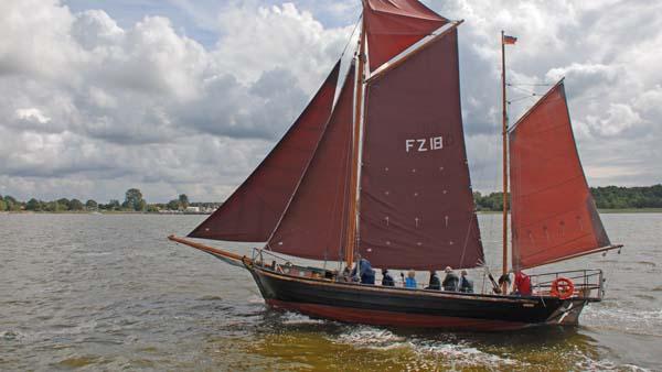 FZ18 Romantik, Volker Gries, Zeesboot Regatta Bodstedt 2017 , 09/2017
