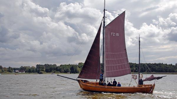 FZ16 Blondine, Volker Gries, Zeesboot Regatta Bodstedt 2017 , 09/2017