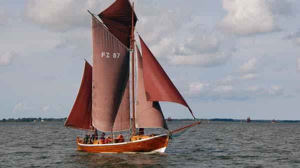 FZ87 Irmchen, Volker Gries, Zeesboot Regatta Bodstedt 2017 , 09/2017