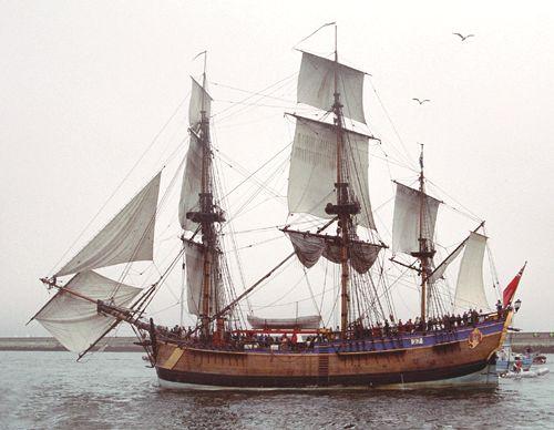 HM Bark Endeavour, Volker Gries, Brest/Douarnenez 2004 , 07/2004