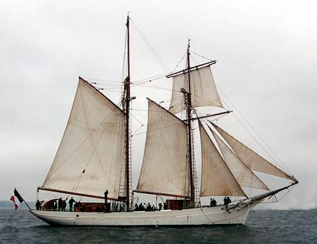 Belle Poule, Volker Gries, Sail Brest / Cutty Sark 2002 , 07/2002