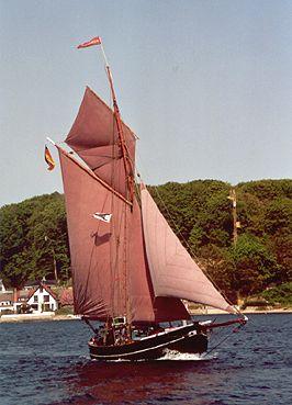 Aurora von Altona, Volker Gries, Rum-Regatta 2002 , 05/2002
