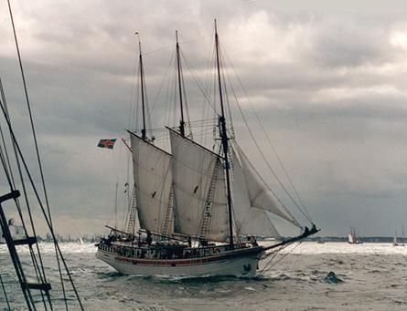 Linden, Volker Gries, Hanse Sail Rostock 2001 , 08/2001