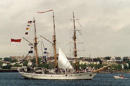 Dewaruci, Werner Jurkowski, Boston , 07/2000