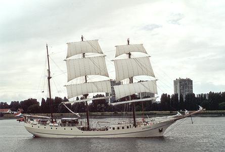 Artemis, Werner Jurkowski, Sail Antwerpen 2001 / Cutty Sark 2001 , 07/2001