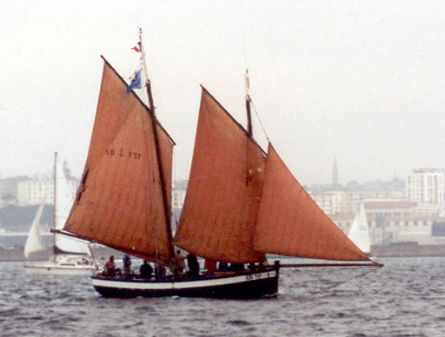 La Pauline de Dahouët SB737, Volker Gries, Sail Brest / Cutty Sark 2002 , 07/2002