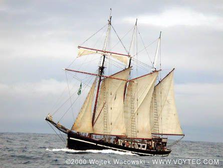 Bel Espoir II, Wojtek Wacowski (http://www.voytec.com/), North Atlantic, off Halifax , 08/2000